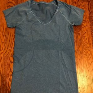 Swiftly Tech Short Sleeve V Neck sz 6